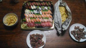 ポテトにステーキに寿司